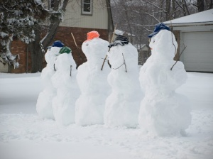 Image Source: http://intellokids.blogspot.com/2010/11/preschoolers-snow-people-song.html
